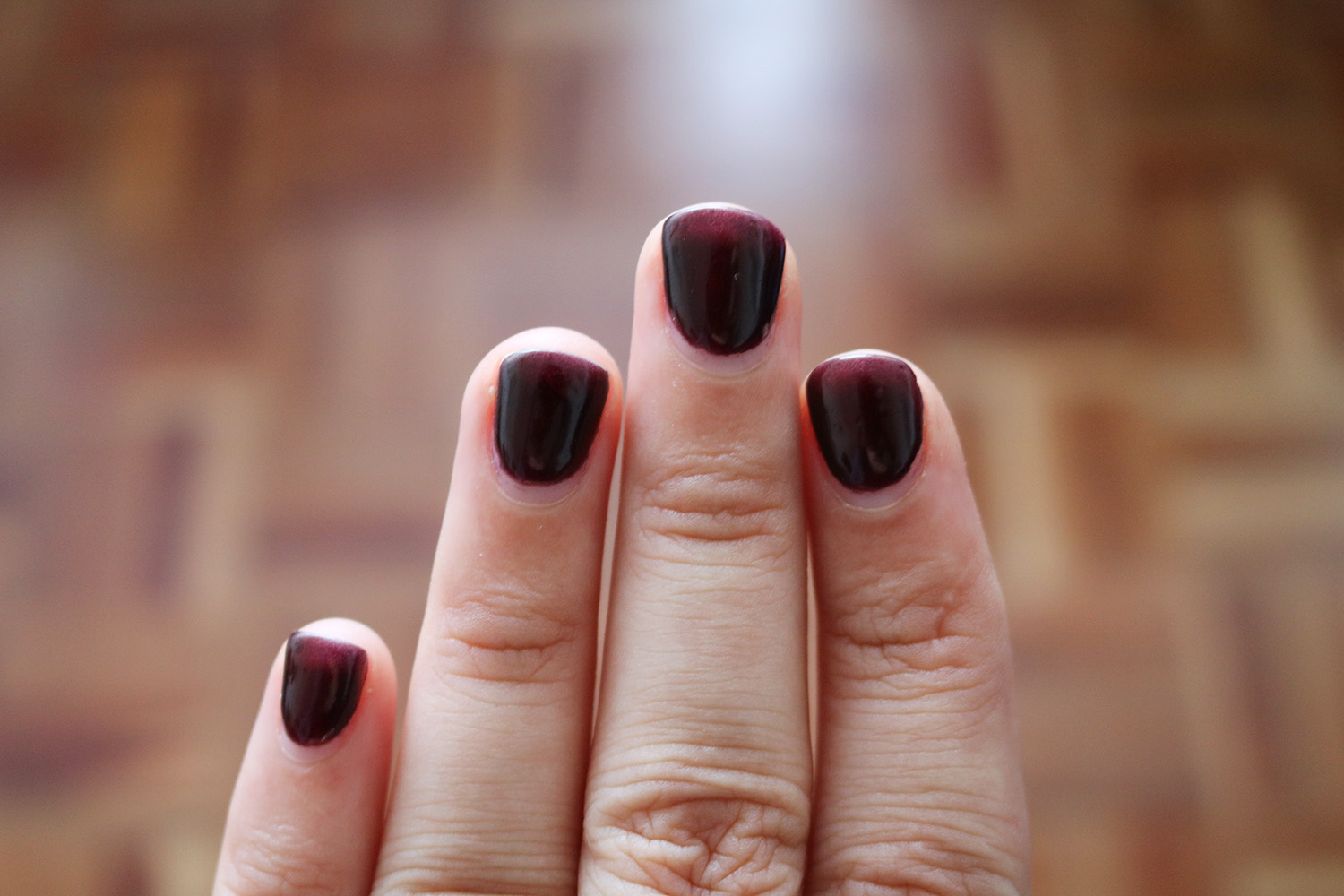 application on nails so it will not smudge